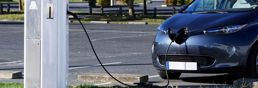 Borne de recharge pour véhicules